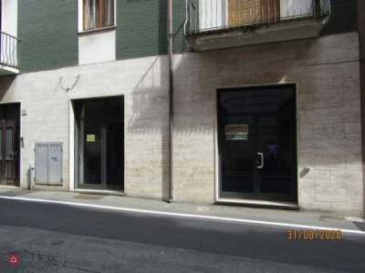 Locale in Affitto a Varese via Indipendenza 8