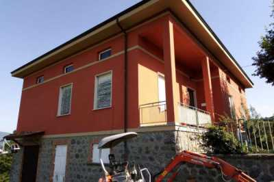 Villa in Vendita a Castelnuovo di Garfagnana Gragnanella