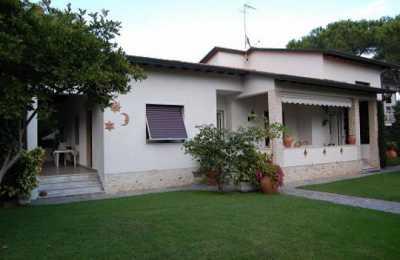 Villa in Affitto a Montignoso