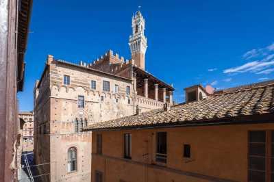 Appartamento in Vendita a Siena via Diacceto Centro Storico