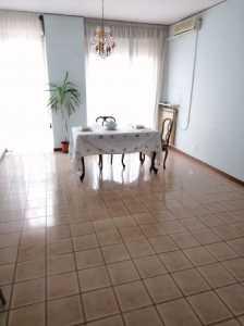 Appartamento in Vendita a Modena via Guido Baccelli