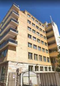 palazzo / stabile in Affitto a roma via abruzzi 10
