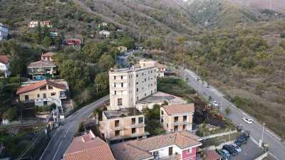 Edificio Stabile Palazzo in Vendita a Zafferana Etnea
