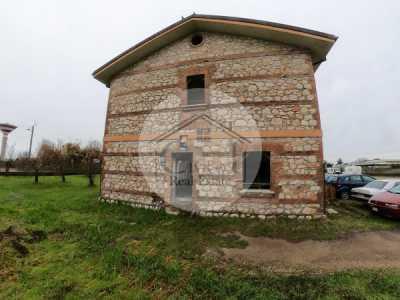 Rustico Casale in Vendita a Latina Viale Delle Industrie 46