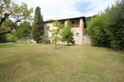 Villa in Vendita a Lucca Ove