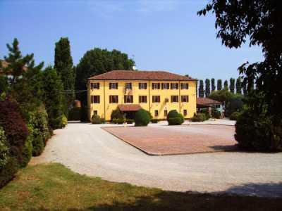 Palazzo Stabile in Vendita a Vigarano Mainarda via Rondona