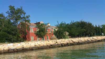 Rustico Casale Corte in Vendita a Venezia Burano