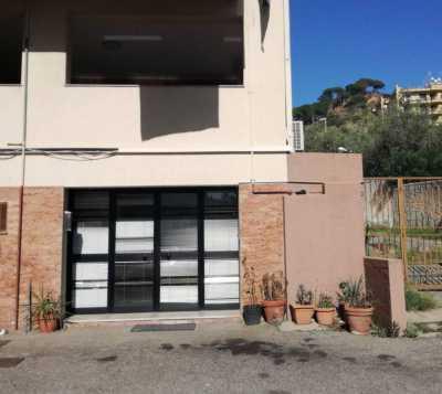 Negozio in Vendita a Messina annunziata alta