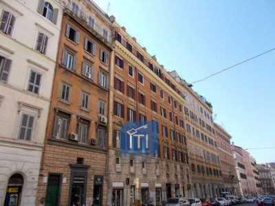 Appartamento in Vendita a roma via cavour