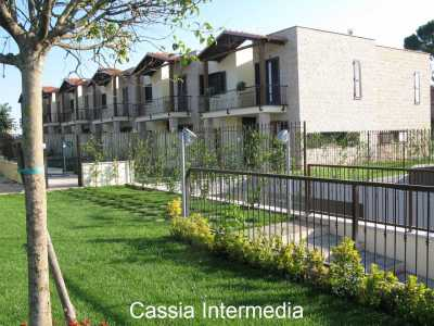 Villa a Schiera in Vendita a Nepi via Dei Farnese Nepi