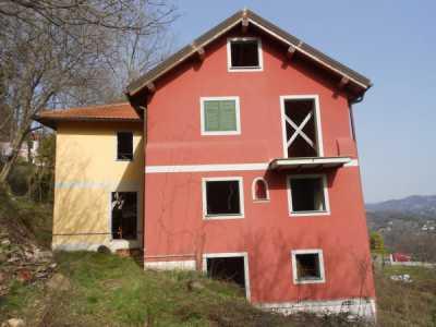 Villa in Vendita a Ceranesi via Cente