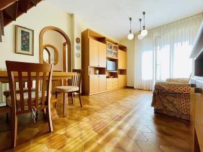 Appartamento in Affitto a Camaiore Lido di Camaiore