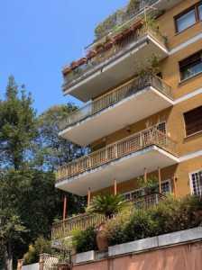 Appartamento in Vendita a Roma via Antonio Gramsci