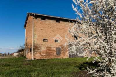 Rustico Casale in Vendita a Correggio via Sinistra Tresinaro 43