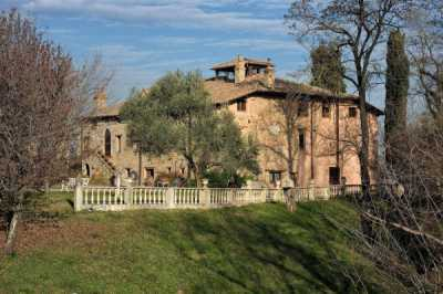 Villa in Vendita a Viano via Valle