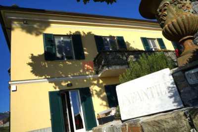 Villa in Vendita a Genova via Asilo Infantile di Murta