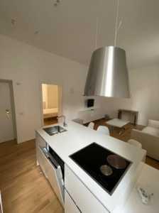 Appartamento in Affitto a Milano via Santa Cecilia 2