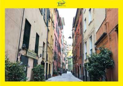 Appartamento in Vendita a Genova via Borgo Degli Incrociati