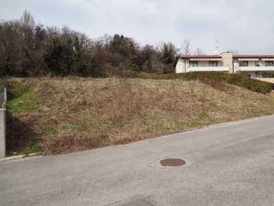 Terreno in Vendita a Moruzzo via Tampognacco