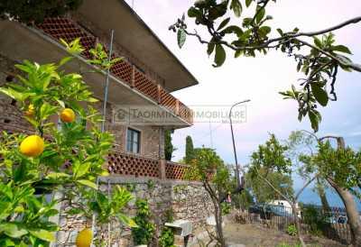 Villa Singola in Vendita a Taormina via d h Lawrence Centro