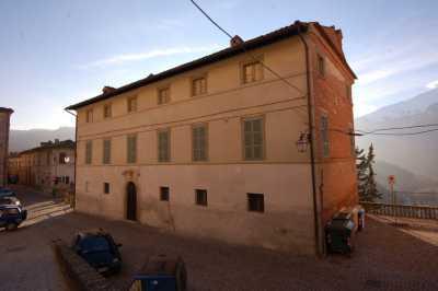 Villa Singola in Vendita a Montefortino Centro