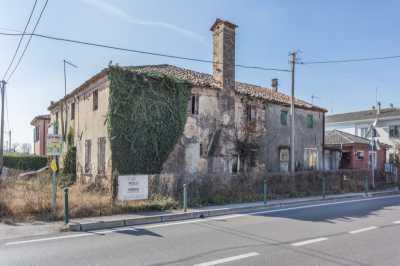 Rustico Casale Corte in Vendita a Venezia Zelarino Zelarino