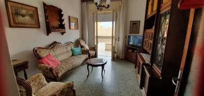 Appartamento in Affitto a Follonica Centro