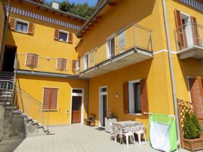 Appartamento in Vendita a Chiavenna via Giosu㨠Carducci
