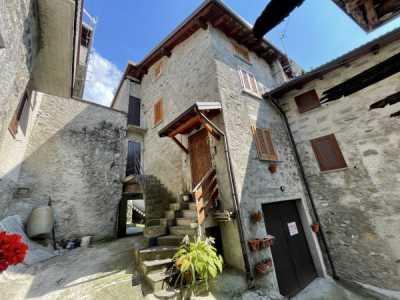 Indipendente in Vendita a Berbenno di Valtellina via Giuseppe Parini