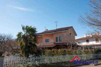 Villa in Vendita a Salerano Canavese via Sottomondone 34