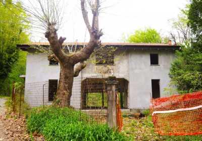 Villa in Vendita a Sirtori via Gaetano Donizetti 1