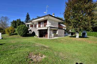 Villa in Vendita a Solbiate con Cagno via San Giorgio