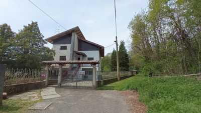 Villa in Vendita a Gattinara via Trivero 13