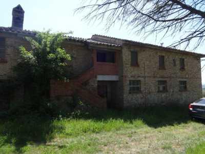 Rustico Casale in Vendita a Perugia Pila