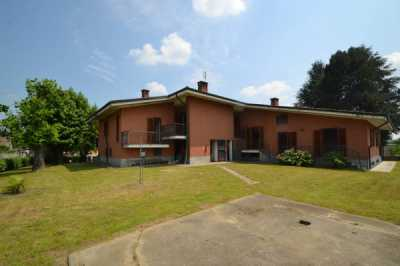 Villa in Vendita a Vigone via Montagna