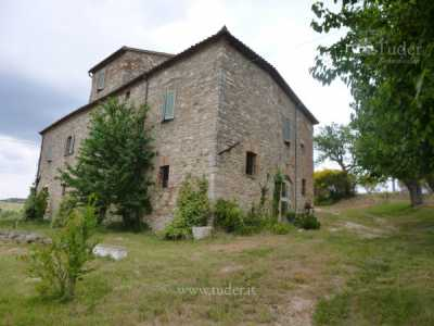 Rustico Casale in Vendita a Todi