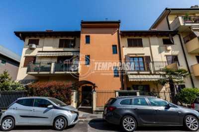 Appartamento in Vendita a Settimo Milanese via Tonale 5