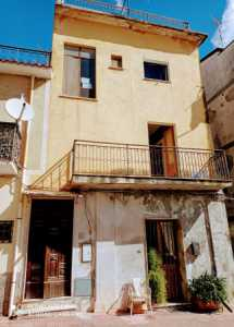 Indipendente in Vendita a Roccella Ionica via Giuseppe Nanni 46