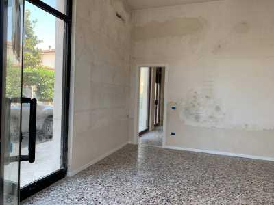 Attività Commerciale in Affitto a Camaiore via Sarzanese Capezzano