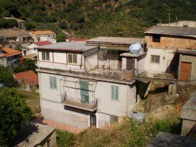 Indipendente in Vendita a Messina Strada San Michele Portella Castanea 86