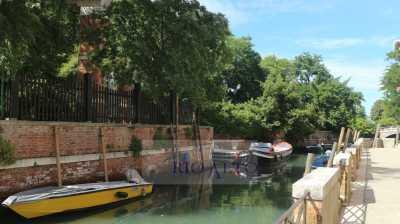 Appartamento in Vendita a Venezia Castello