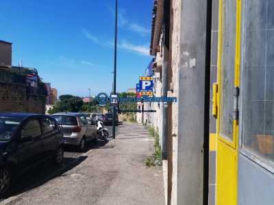Negozio in Vendita a Napoli via Mario Gigante Fuorigrotta
