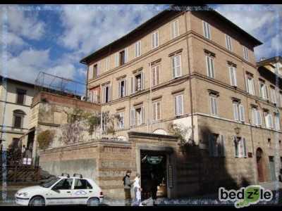 Appartamento in Affitto a Siena via del Paradiso 54