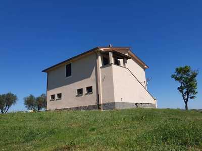 Rustico Casale Corte in Vendita a Tuscania