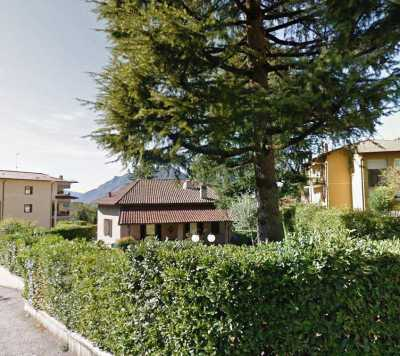 Villa Singola in Vendita a Lecco Bonacina