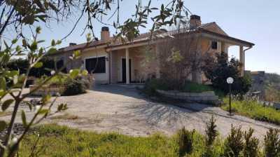 Villa in Vendita a Fara in Sabina via Dell