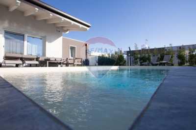Villa in Vendita a Lonato del Garda via San Polo 30