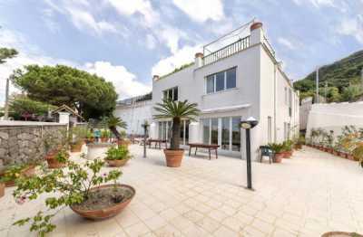 Villa in Vendita a Forio via Baiola