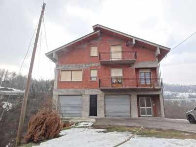 casa indipendente in Vendita a Roccavignale