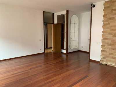 Appartamento in Vendita a Milano via Ovada 7
